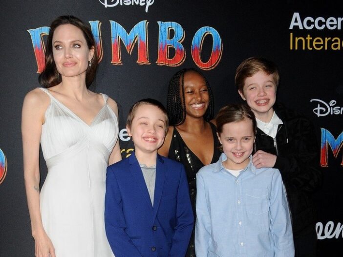 """Angelina Jolie with her kids, including Shiloh at the """"Dumbo"""" movie premiere."""