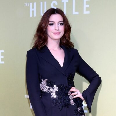 Anne Hathaway at the _The Hustle_ premiere