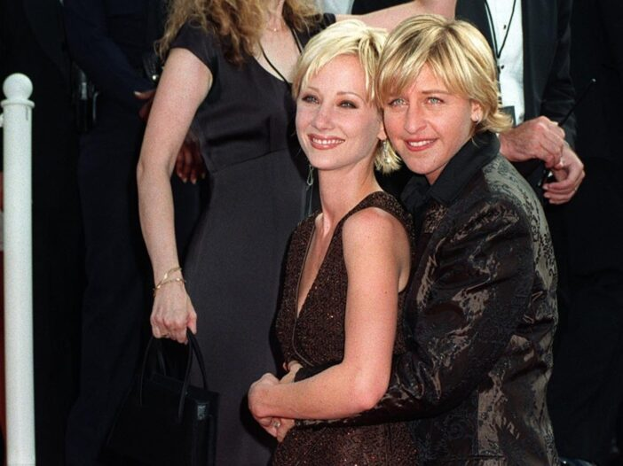 Anne Heche and Ellen DeGeneres cuddle up together on the red carpet