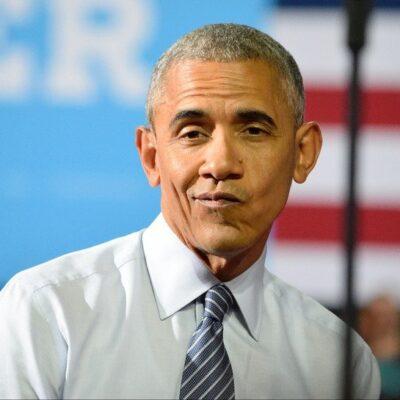 Barack Obama making a funny face