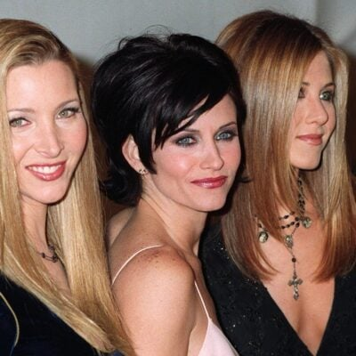From left to right: Lisa Kudrow, Courteney Cox, Jennifer Aniston.
