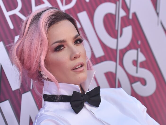 Halsey with pastel pink hair in 2019