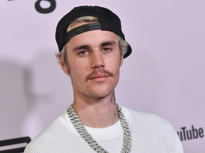 "Justin Bieber at the premiere of ""Justin Bieber: Seasons"""