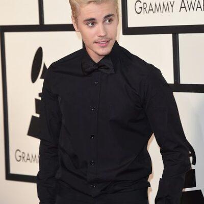 Justin Bieber Grammys HollywoodLife