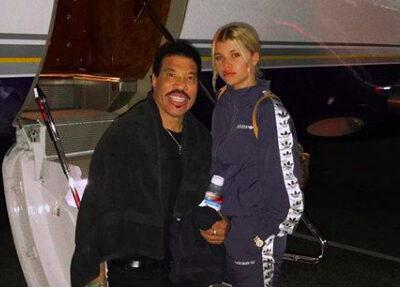 Lionel Richie Cutting Off Sofia