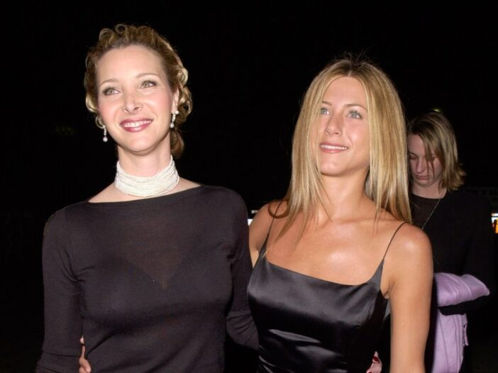 Lisa Kudrow and Jennifer Aniston wearing black dress in the heyday of Friends.