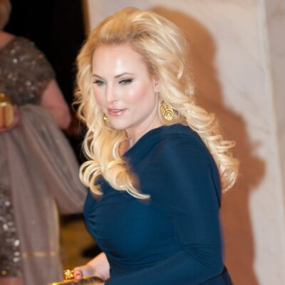 Meghan McCain wears a blue dress to the White House Correspondents Dinner