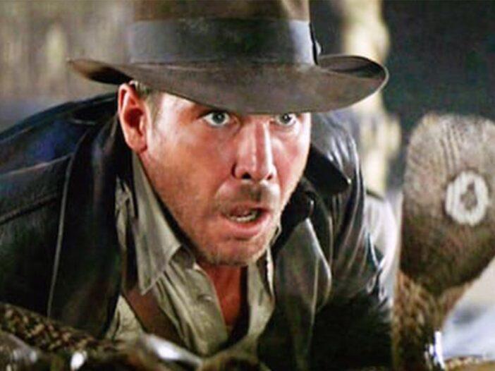 Screenshot of Indiana Jones facing a cobra in Raiders Of The Lost Arks