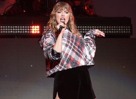 Taylor Swift Pregnant December 2017