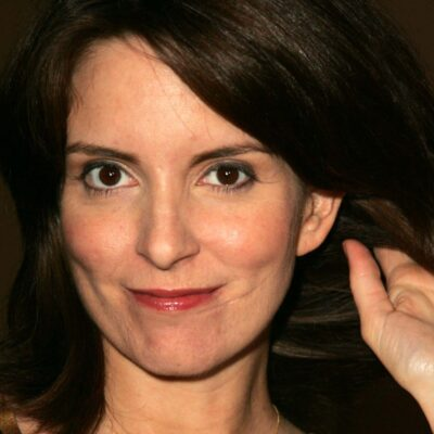 Close up of Tina Fey to highlight the scar on her left cheek/chin.
