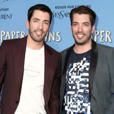 Jonathan and Drew Scott smiling together