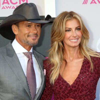 Tim McGraw and Faith Hill smiling together