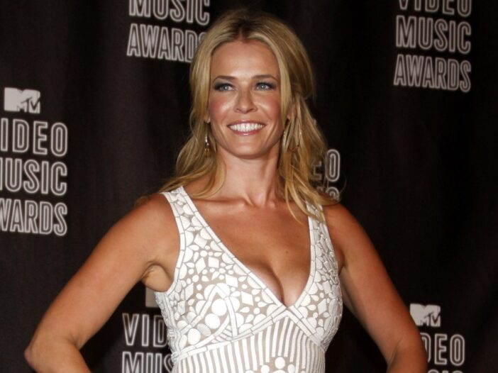 Chelsea Handler wears a white, lacy dress to the MTV Video Music Awards