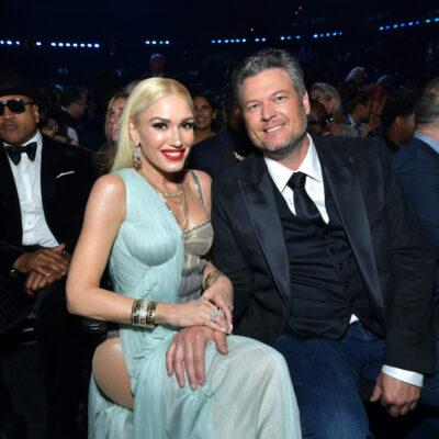 Blake Shelton and Gwen Stefani sitting at the Grammys