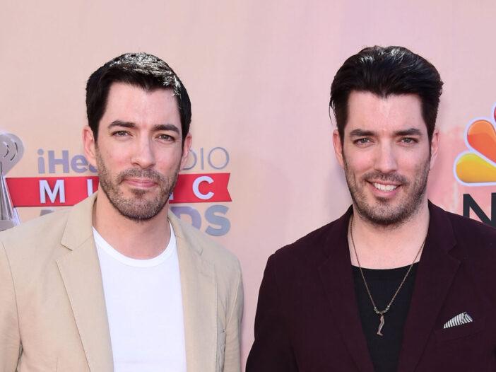 Drew and Jonathan Scott in 2015