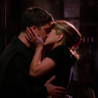 screenshot of David Schwimmer and Jennifer Aniston kissing on Friends