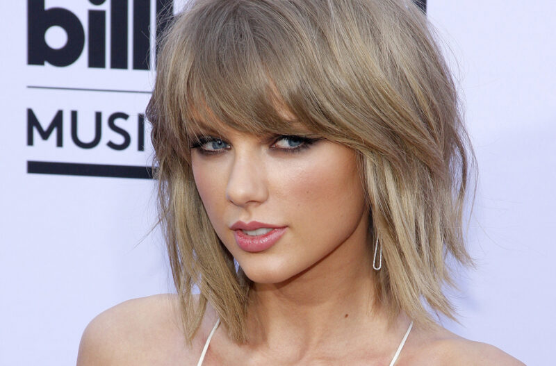Close up of Taylor swift, giving side eye