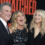 Kurt Russell, Goldie Hawn, and Kate Hudson smiling together