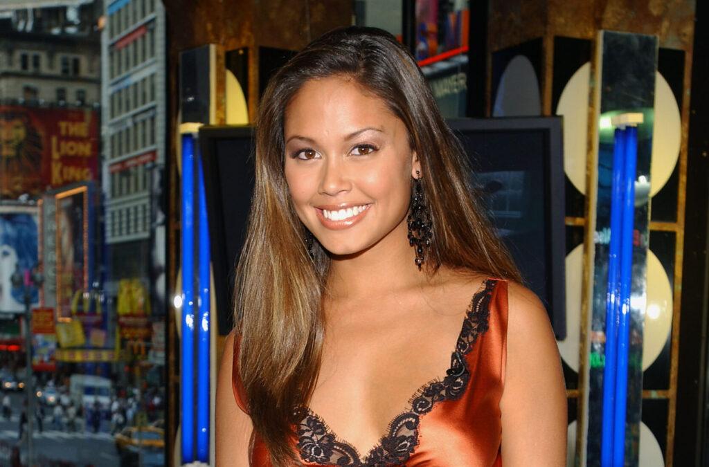 Vanessa Minnillo on set on MTV's TRL at MTV Times Square Studios in 2003