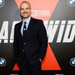 David Harbour showing off dramatic weight loss at Black Widow premiere